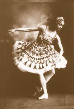 Olga Spessivtseva as Aspiccia in Petipa's 'La Fille du Pharaon,' St. Petersburg (1923).