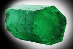 Emerald | Emerald | Crystal and Mineral Collecting Crystals Minerals, Rocks And Minerals, Stones And Crystals, Gem Stones, Beautiful Rocks, Petrified Wood, Chakra Crystals, Rocks And Gems, Heart Chakra
