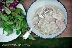 Pierogi z łososiem, botwinką i ricottą Polish Recipes, Beetroot, Dumplings, Ricotta, Spinach, Tasty, Dinner, Cooking, Tableware