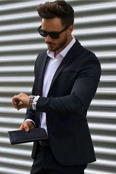 Vest đen có tính ứng dụng cao