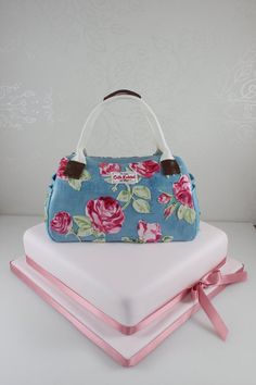 Wanted to challenge myself with this one. the flowers are all hand cut out then painted to look like the real bag. Gorgeous Cakes, Pretty Cakes, Amazing Cakes, Cake Icing, Cupcake Cakes, Car Cakes, Cath Kidston Cake, Cath Kidston Handbags, Shoe Box Cake