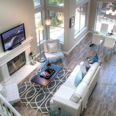 Delicious Decors Home Staging, Woodland Hills, California