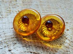 Vintage Baltic amber clip on earrings, round amber earrings, lithuanian amber, gold plated, cognac amber, amber donut, ambre batique, ambra