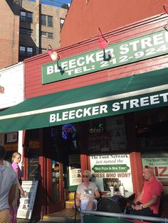 Places to See and Eat in New York City} Bleeker Street Pizza - voted best slice in the city by Food Network. Picnic lunch - less than 10 min walk to Washington Square Arch (7 mins to the closer park entrance). Nonna Maria (margharita style) is the best slice.