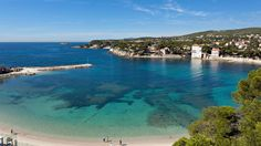 Hôtel Ile Rousse Thalazur Bandol is a luxury boutique hotel in Bandol, France. Book Hôtel Ile Rousse Thalazur Bandol on Splendia and benefit from exclusive special offers ! Best Hotel Deals, Best Hotels, Bandol France, Beautiful Hotels, Amazing Hotels, Provence France, Sea Waves, South Of France, Wonderful Places