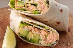 Tortila s lososom a avokádom v čase medzi obedom a večerou určite poteší Fresh Rolls, Guacamole, Ethnic Recipes, Starters, Red Peppers