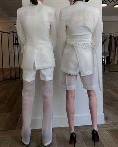 "Peter Do on Instagram: ""SS20 COLLECTION #Peterdo"" Runway Fashion, Spring Fashion, High Fashion, Fashion Show, Fashion Outfits, Womens Fashion, Fashion Trends, Dona Karan, Unisex"