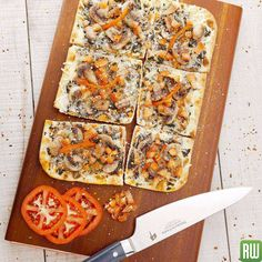 Celebrate the beginning of fall with Rustic Acacia Serving Platters by Restaurantware. #fall #flatbread #serving #platter #pizzaislife #flatbread #foodie #flatbreadforever #foodporn #foodporndaily #tomato #mushroom