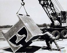 Robert Indiana - LOVE sculpture - 1960s