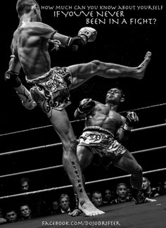 Muay Thai fighting: learn how to fight with confidence Muay Boran, Muay Thai Training, Boxing Training, Fighting Poses, Mma Fighting, Human Poses Reference, Pose Reference Photo, Muay Thai Martial Arts, Mixed Martial Arts