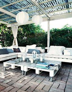 INSPIRÁCIÓK.HU Kreatív lakberendezési blog, dekoráció ötletek, lakberendező tanácsok: Szép kert: a nyugalom szigete (+ raklap újrahasznosítás)