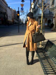 #longbrowncoat #blackhat #greyskirt #highheels #overkneeshighheels #blackbag