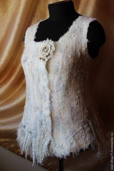 Купить Жилет валяный Весеннее предвкушение - Мокрое валяние, одежда, зима, осень, весна, белый