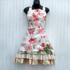 Ladies Retro Peach and Beige Floral Apron with by KozyKitchens