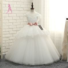 Jy 2016 cuadro verdadero cariño tul flores niña vestidos Hot Sale largo vestido de bola con cuentas de encaje lindo vestido de primera comunión