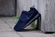 "Nike Roshe Run ""Midnight Navy"""
