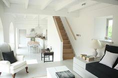 ceiling/stairway