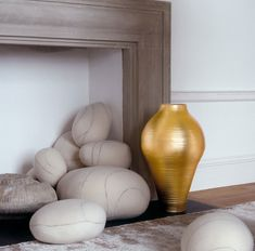 Large Gold Vase from B&B Italia... A touch of wealth and luxury http://www.campbellwatson.co.uk/superbasket/product/16469/Gold+Collection+B%26B+Italia