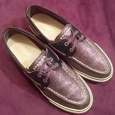 Ladies Size 9 SPERRY Top Sider Navy Glitter EUC This is a pair of ladies size 9 Medium Sperry Top Sider's.  They are navy blue glitter, patent navy around the ankle & laces & have navy laces.  These are in Excellent Pre-Loved Condition. Sperry Top-Sider Shoes Flats & Loafers