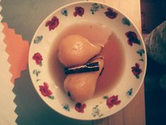 Pears in tea