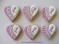 Medovníčky na sestrinu výstavu / Cookies for sister exhibition :: IVANA sweet Elegant Cookies, Fancy Cookies, Xmas Cookies, Cute Cookies, Heart Shaped Cookies, Heart Cookies, Sugar Cookie Frosting, Sugar Cookies, Millies Cookies