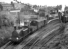 Isle of Wight Railways Locomotive Engine, Steam Locomotive, Southern Trains, Best Wagons, Heritage Railway, Old Train Station, Disused Stations, Southern Railways, Steam Railway
