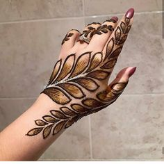 This time we are sharing with you our Best and Latest Flower Mehndi Designs which are purely different from others these Designs are from the Best of the Best Mehndi Artists. Modern Henna Designs, Simple Arabic Mehndi Designs, Mehndi Designs 2018, Stylish Mehndi Designs, Mehndi Designs For Girls, Mehndi Designs For Beginners, Mehndi Design Photos, Dulhan Mehndi Designs, Wedding Mehndi Designs