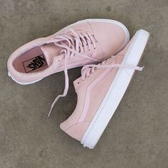 Pastel perfection. Shop the Old Skool in Peachskin/True White online or find a store at vans.com