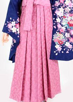 【着物・袴セット】鮮青地ピンク花盛り・ピンク桜小花 - 卒業式の袴を格安で全国へレンタル【卒業はかまネットレンタル】