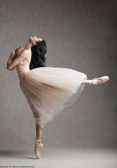 Principal Dancer Xiao Nan Yu was born in Dalian, China and joined The National Ballet of Canada in Catch Nan onstage during the season which opens with the North American premiere of The Winter's Tale. Ballet Pictures, Dance Pictures, Ballet Art, Ballet Dancers, Ballerinas, Ballerina Dancing, Bolshoi Ballet, Ballerina Shoes, Girl Dancing