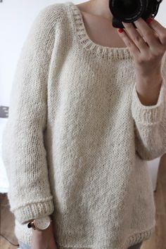 Il Grande Favorito , c'était un peu THE pull à tricoter cet hiver! Alors, au lieu de m'en contenter d'un seul, j'en ai tricoté deux ! Voi...