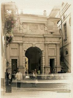 Belluno, Porta Dojona.
