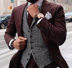 Men fashion Burgundy suit Black and white vest