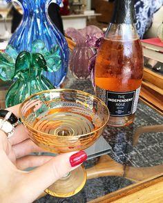Momentos especiais merecem ser comemorados! Degustando o Fantinel The Independent Rosè Brut 2014 da @winevinhos  um espumante Italiano produzido em uma região reconhecida por dar origem a excelentes espumantes. #winevinhos #AmigoSecretoFhits @fhits