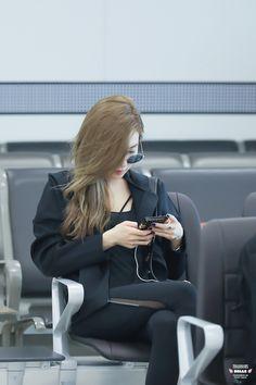 Tiffany - Gimpo Airport from Jeju Yoona, Sooyoung, Kim Hyoyeon, Snsd Tiffany, Tiffany Hwang, Girls' Generation Tiffany, Girls Generation, Kpop Girl Groups, Kpop Girls