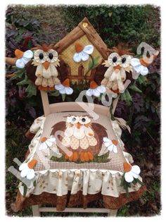 Decor chairs with their own hands, creativity, sewing, embroidery, home textiles Owl Sewing, Sewing Crafts, Sewing Projects, Diy Crafts, Owl Quilts, Applique Quilts, Baby Quilts, Chicken Quilt, Felt Owls