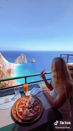#Greece #zakynthos #wow #amazing #travel #europe (via @jennasilver_ ) Beautiful Scenery Pictures, Beautiful Photos Of Nature, Beautiful Places To Travel, Nature Photos, Travel Europe, Travel Destinations, Lindos Videos, Paradise Travel, Travel Aesthetic