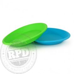 The NoGoo Round Dish is perfect for a variety of fun activities involving food, concentrates, wax, or ointments. Its eight-inch diameter gives you the room you need to work. The food-grade silicone material avoids the stickies and won't break or overheat.  Dishwasher safe.  Easy to clean.  Comes in two colors.