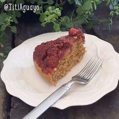 """71 Me gusta, 3 comentarios - TitiAguayo (@titiaguayo) en Instagram: """"Pastel de frambuesas al sartén Ingredientes: 1. Una taza de harina de avena 2. Una taza de harina…"""""""
