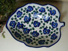 Beautiful bowl in a shape of a leaf. Polish pottery