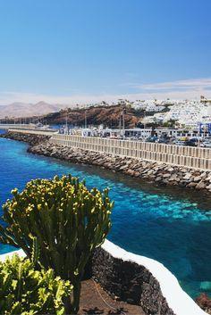 Het duurt nog even, maar wie wil er nou niet in de winter naar de Zomer!☀ Met het gezin 10 dagen naar Lanzarote, heerlijk!✈ Per persoon voor een spotprijs!