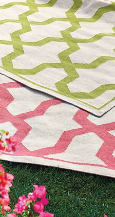 A union of interlinking geometric designs and soft woven fabrics add zest and comfort to outdoor spaces.  | Frontgate: Live Beautifully Outdoors