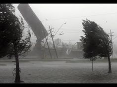 Страшный ураган сносит крыши в городах Казахстана