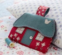 Free cottage sewing case project