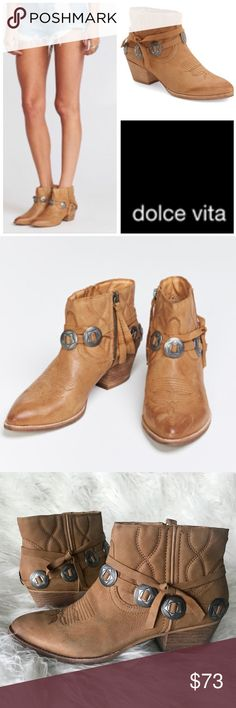 """WESTERN ankle boots brown BOOTIES cowboy silver New DOLCE VITA Saddle Brown Low western cowboy booties! The Skye Ankle booties in LEATHER with silver hardware and cowboy boot quilt stitching. Zip side. Sz 9.5. stacked woodgrain 2"""" heel. Stands 6"""" tall. (0412) Dolce Vita Shoes Ankle Boots & Booties"""