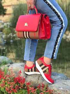 Nadire Atas on Matching Shoes and Bags 22 Colorful Shoes That Will Inspire You This Winter Women S Shoes Victorian Era New Shoes Styles & Design Winter Shoes, Summer Shoes, Winter Wear, Fall Winter, Luxury Shoes, Luxury Bags, Colorful Shoes, Pretty Shoes, Hot Shoes