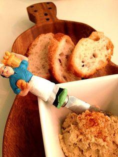 大豆でハマスを作りました。茹でた大豆と玉ねぎのみじん切り、クミンパウダー、塩麹、味噌、豆乳を合わせてFPでペーストに。 - 5件のもぐもぐ - 大豆のフムス by aloha808