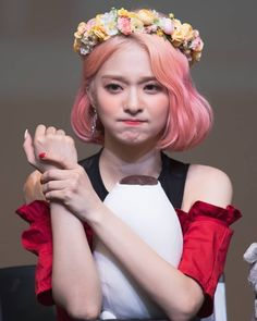 South Korean Girls, Korean Girl Groups, Lee Seo Yeon, Pop Hair, Stupid Girl, Digital Art Anime, Flower Crown, Cool Girl, Hair Color