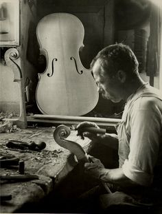 Mittenwald violin maker, Upper Bavaria, 1925