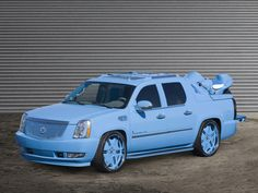 Photographs of the 2006 Cadillac Escalade EXT DUB Magazine. An image gallery of the 2006 Cadillac Escalade EXT DUB Magazine. Cadillac Ats, Cadillac Escalade, Escalade Ext, Avalanche Truck, Subaru Outback For Sale, Volvo V40, Jaguar F Type, Car Images, Pickup Trucks